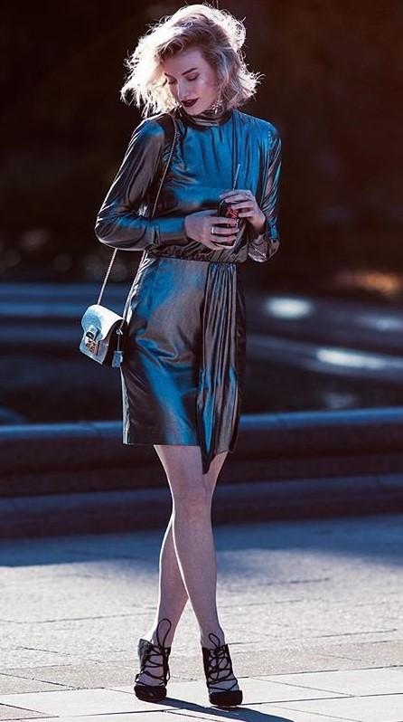 grayd-dress-mini-metallic-black-shoe-pumps-blonde-bob-fall-winter-nye-dinner.jpg