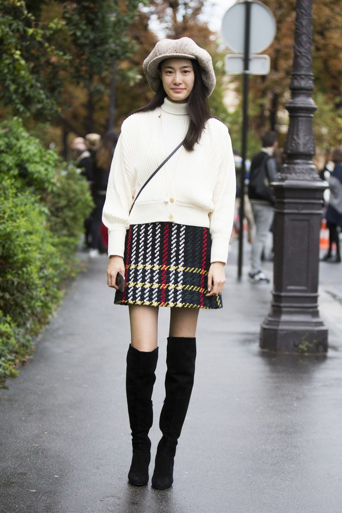 black-mini-skirt-plaid-white-sweater-hat-black-shoe-boots-print-brun-thanksgiving-howtowear-fashion-style-outfit-fall-winter-holiday-lunch.jpg