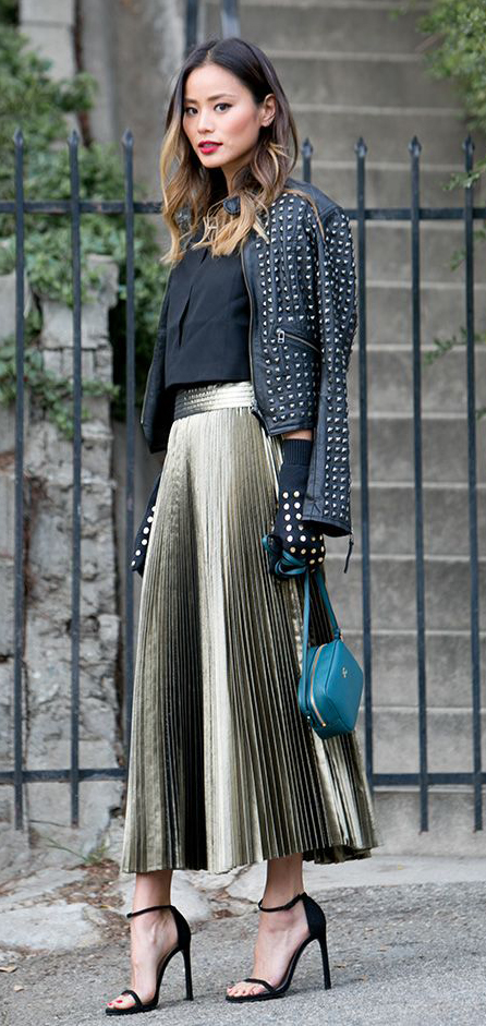 o-tan-midi-skirt-black-top-crop-black-jacket-moto-jamiechung-blue-bag-gloves-black-shoe-sandalh-hairr-metallic-pleat-howtowear-fashion-style-outfit-fall-winter-holiday-dinner.jpg