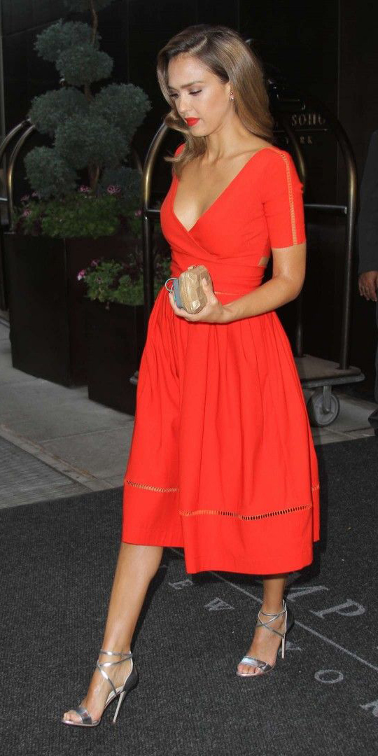 red-dress-midi-gray-shoe-sandalh-hairr-jessicaalba-howtowear-valentinesday-outfit-fall-winter-dinner.jpg