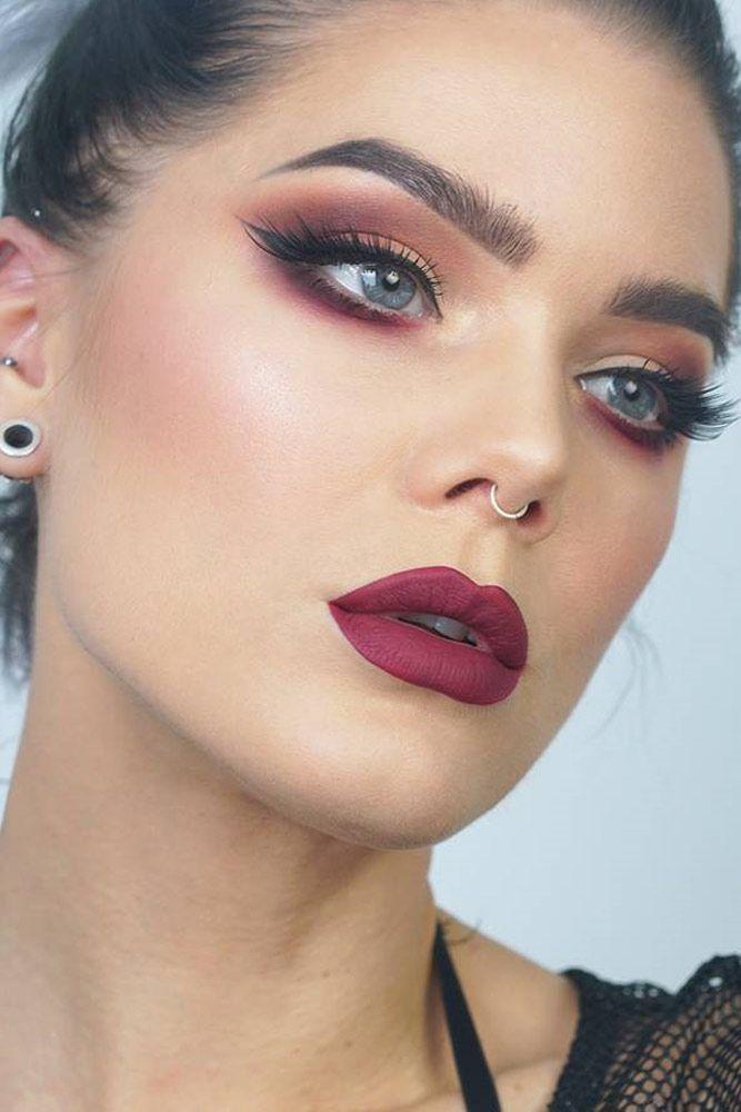 makeup-style-what-to-wear-valentines-day-dinner-holiday-ideas-winter-burgundy-monochromatic-eyeshadow-eyeliner.jpg