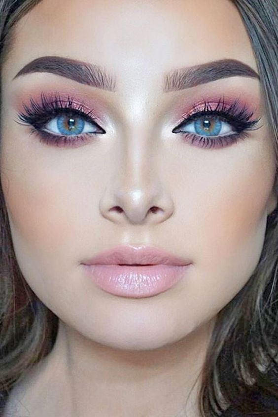 makeup-style-what-to-wear-valentines-day-dinner-holiday-ideas-winter-pink-monochromatic-eyeshadow-blue-eyes.jpg
