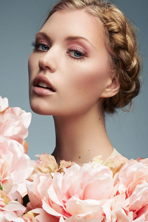 makeup-style-what-to-wear-valentines-day-dinner-holiday-ideas-winter-pink-nude-eyeshadow-monochromatic-soft-romantic.jpg