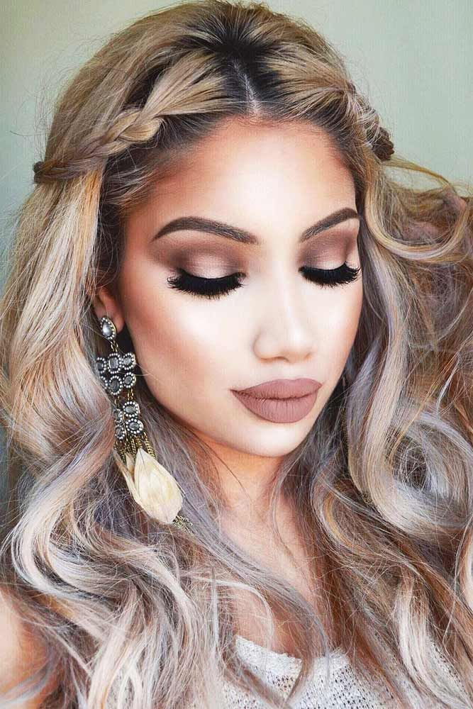 hair-styles-what-to-wear-valentines-day-dinner-holiday-outfits-winter-blonde-wavy-braid-sides-front.jpg