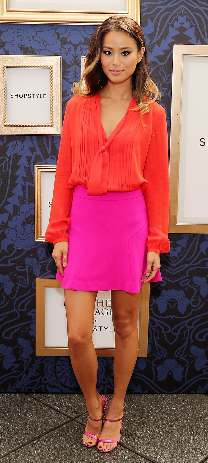 r-pink-magenta-mini-skirt-red-top-blouse-pink-shoe-sandalh-valentinesday-jamiechung-howtowear-fashion-style-outfit-spring-summer-hairr-dinner.jpg