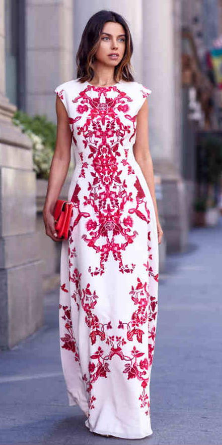 what-to-wear-for-a-summer-wedding-guest-outfit-white-dress-maxi-red-bag-hairr-dinner.jpg