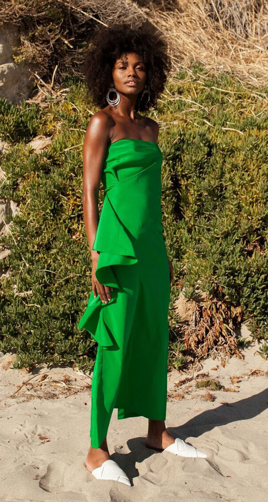 what-to-wear-for-a-summer-wedding-guest-outfit-green-emerald-dress-strapless-midi-white-shoe-flats-hoops-brun-dinner.jpg