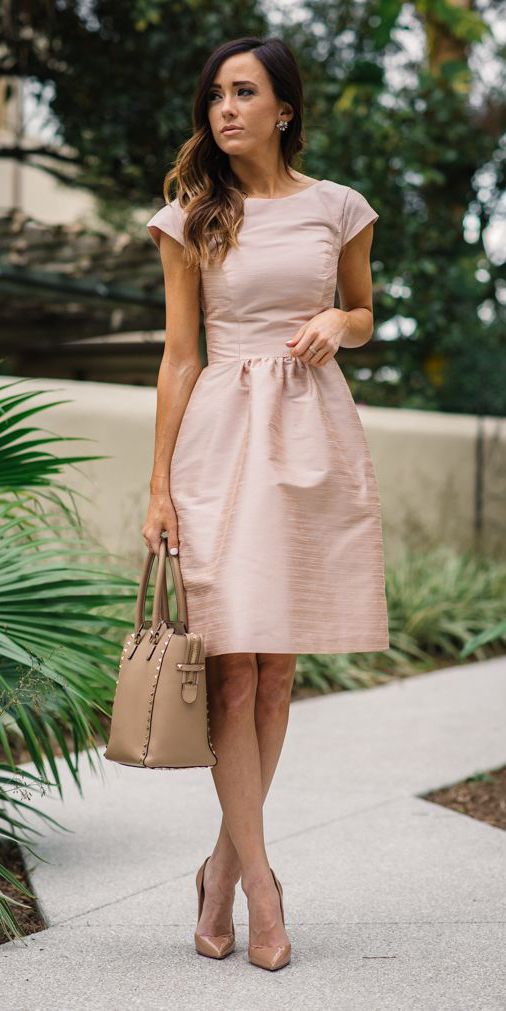 what-to-wear-for-a-summer-wedding-guest-outfit-pink-light-dress-aline-hairr-tan-bag-tan-shoe-pumps-dinner.jpg