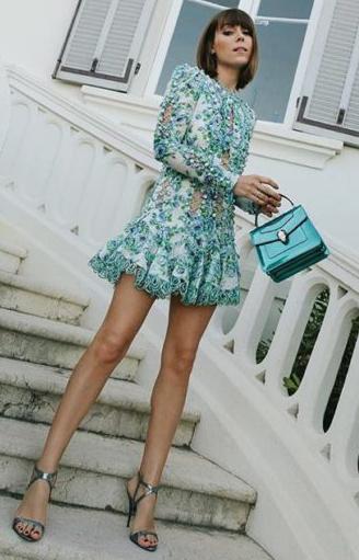 what-to-wear-for-a-summer-wedding-guest-outfit-blue-light-dress-mini-hairr-bob-dinner.jpg