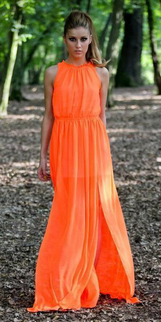 what-to-wear-for-a-summer-wedding-guest-outfit-orange-dress-maxi-hairr-pony-dinner.jpg