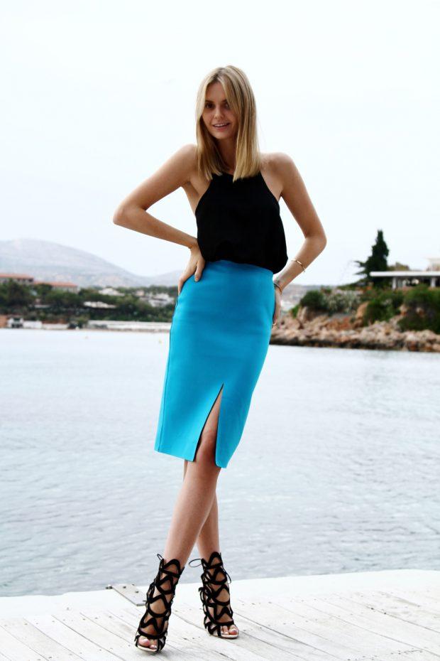 what-to-wear-for-a-summer-wedding-guest-outfit-blue-med-pencil-skirt-black-top-blonde-black-shoe-sandalh-dinner.jpg