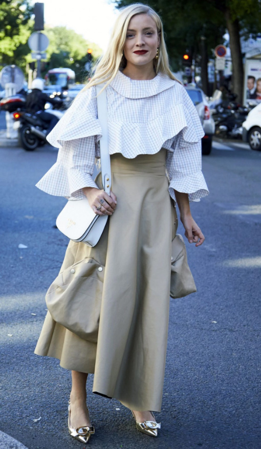 what-to-wear-for-a-summer-wedding-guest-outfit-tan-midi-skirt-white-top-ruffle-white-bag-tan-shoe-pumps-gold-blonde-dinner.jpg
