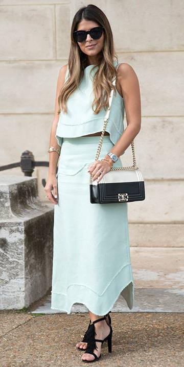 what-to-wear-for-a-summer-wedding-guest-outfit-green-light-midi-skirt-match-set-green-light-top-black-bag-hairr-black-shoe-sandalh-dinner.jpg