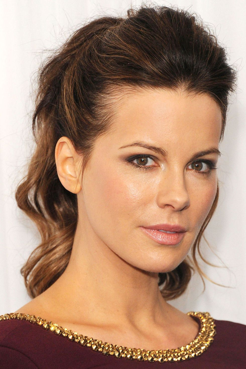 wedding-guest-hair-ponytail-style-beauty-katebeckinsale-high-wavy.jpg