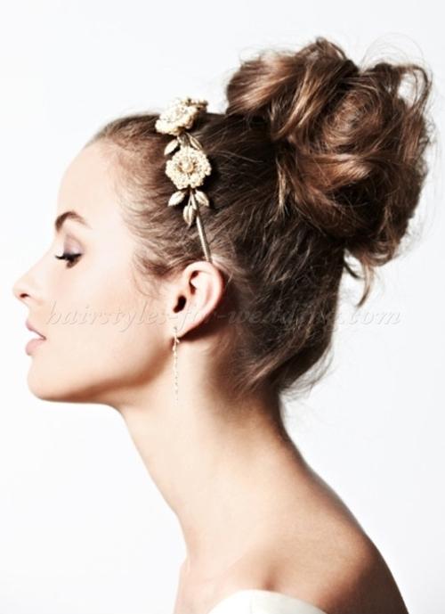 wedding-guest-hair-topknot-bun-updo-style-beauty-big-messy-bun.jpg