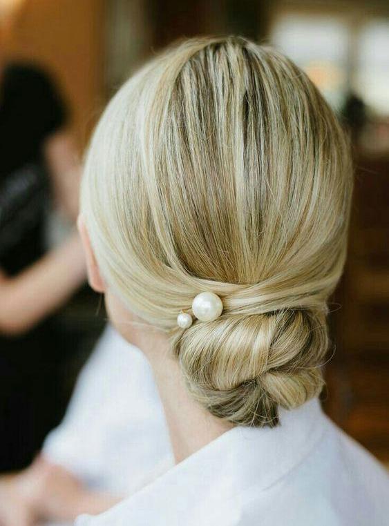 wedding-guest-hair-chignon-bun-style-beauty-sleek-chignon-pearl-bobby-pins.jpg