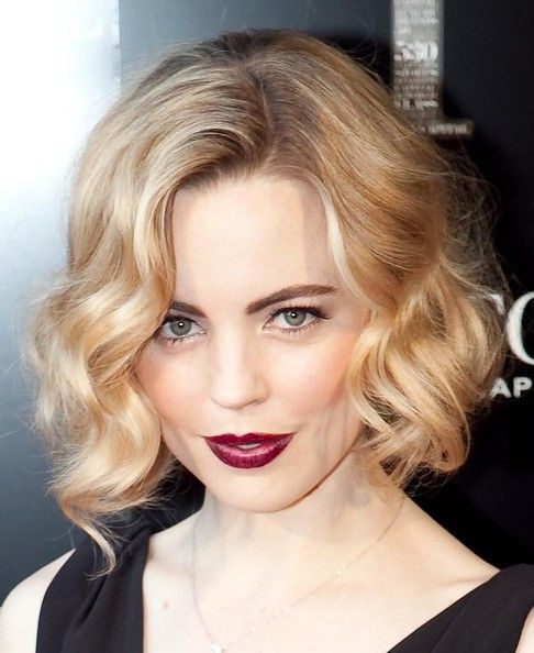 wedding-guest-hair-faux-bob-updo-style-beauty-blonde-wavy.jpg