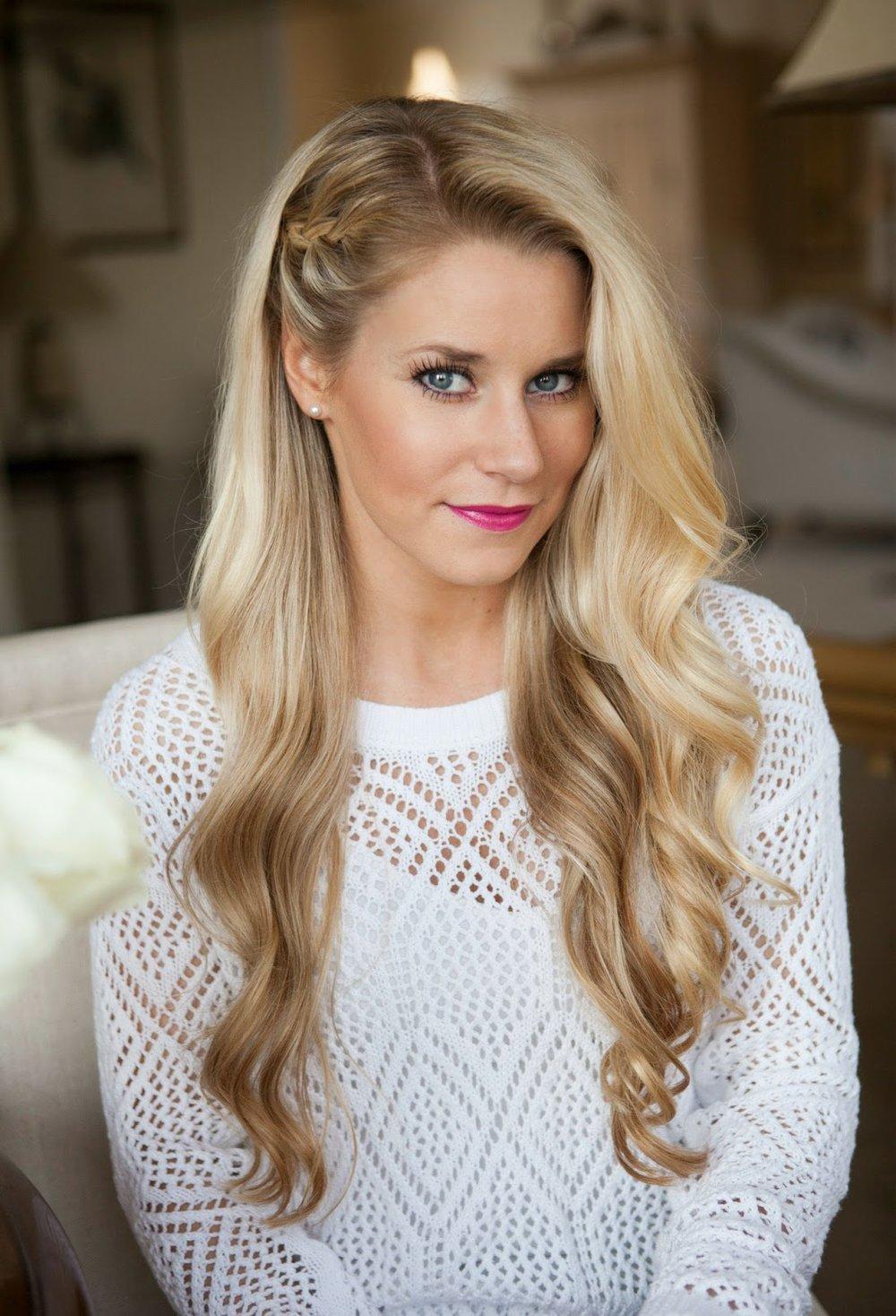 wear-hair-down-wedding-guest-hair-style-beauty-blonde-wavy-side-braid-long.jpg