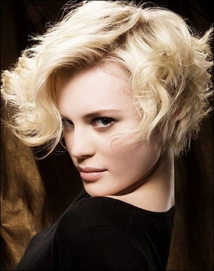 wear-hair-down-wedding-guest-hair-style-beauty-short-crop-wavy.jpg