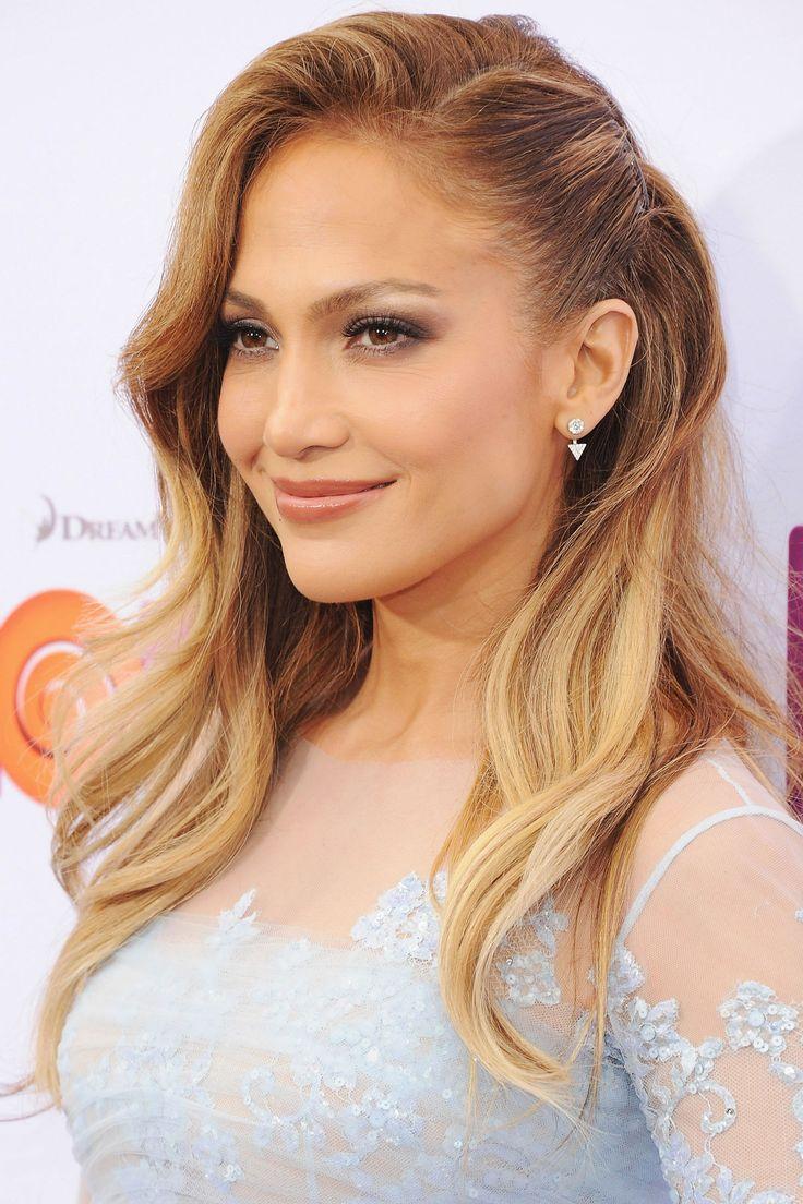 wear-hair-down-wedding-guest-hair-style-beauty-side-part-wavy-pin-side-jenniferlopez.jpg