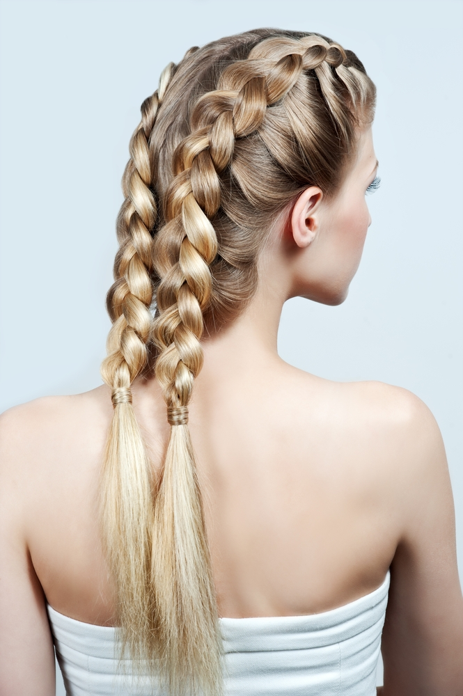 wedding-guest-hair-boxer-braids-style-beauty-long-messy.jpg