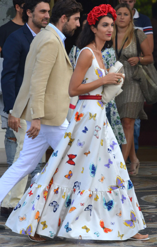 what-to-wear-for-a-summer-wedding-guest-outfit-white-dress-maxi-butterfly-print-head-dinner.jpg