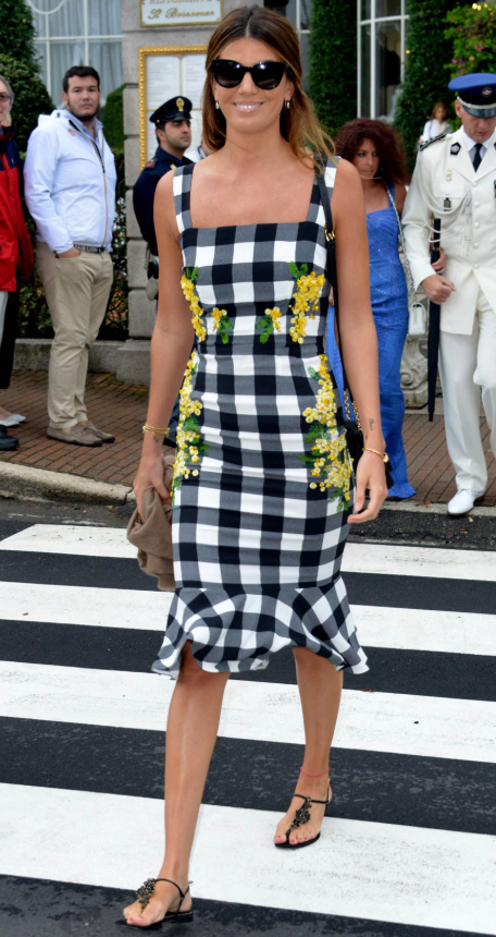what-to-wear-for-a-summer-wedding-guest-outfit-white-dress-bodycon-tank-print-hairr-black-shoe-sandals-lunch.jpg