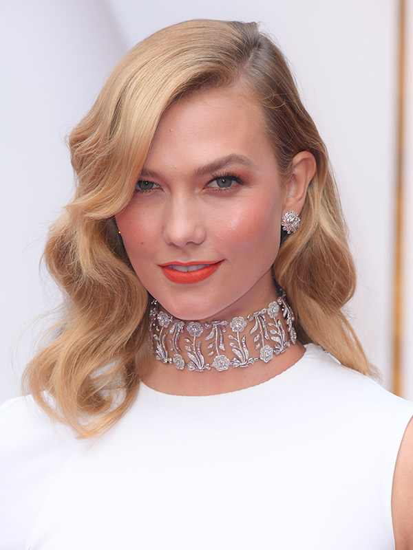lips-how-to-do-your-makeup-for-wedding-guest-beauty-karlie-kloss-beauty-oscars-2017-academy-awards-orange-white-dress-blonde.jpg
