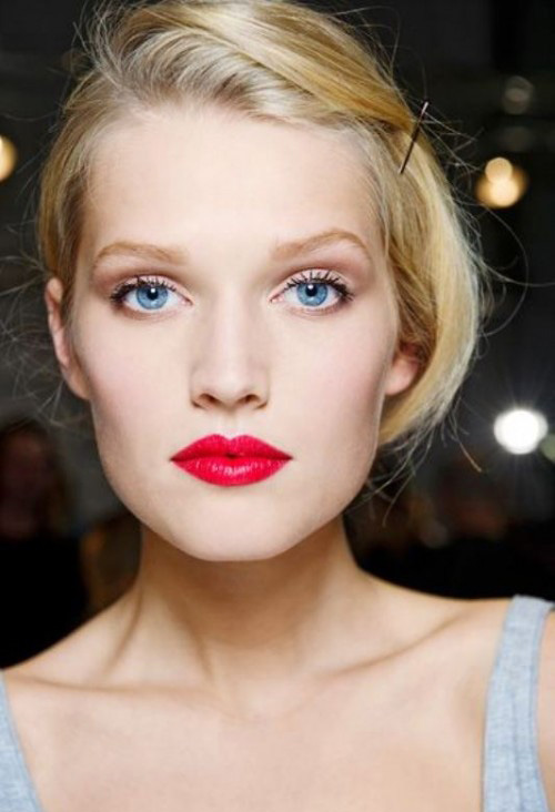 lips-how-to-do-your-makeup-for-wedding-guest-beauty-red-lips-bold.jpg