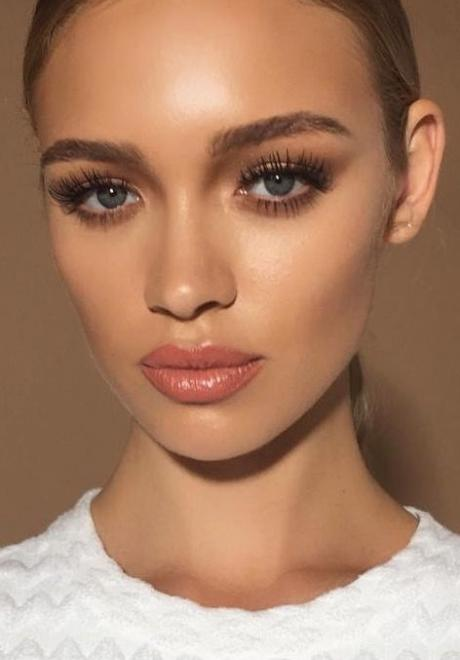 eyes-how-to-do-your-makeup-for-wedding-guest-beauty-bronze-smokey-eyeshadow.jpg