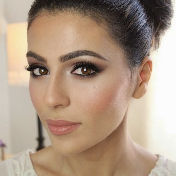 eyes-how-to-do-your-makeup-for-wedding-guest-beauty-eyeshadow-smokey-updo.jpg