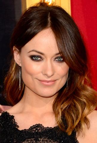 eyes-how-to-do-your-makeup-for-wedding-guest-beauty-oliviawilde-eyeshadow-smokey-eyes-eyeliner.jpg