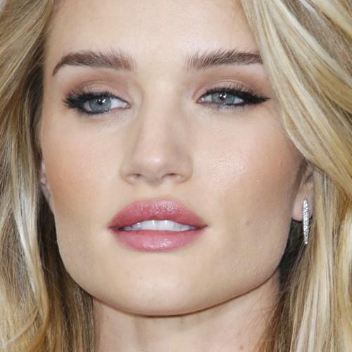 glam-how-to-do-your-makeup-for-wedding-guest-beauty-rosiehuntingtonwhiteley-eyeliner-eyeshadow.jpg