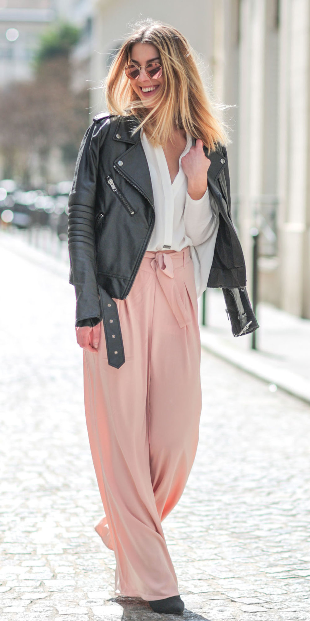 pink-light-wideleg-pants-white-top-blouse-sun-black-jacket-moto-fall-winter-blonde-lunch.jpg