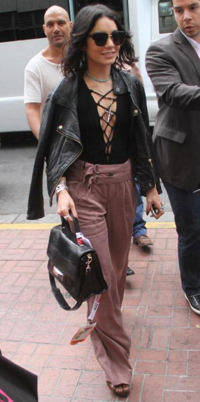 pink-light-wideleg-pants-black-top-black-jacket-moto-black-bag-sun-lob-brun-spring-summer-vanessahudgens-dinner.jpg