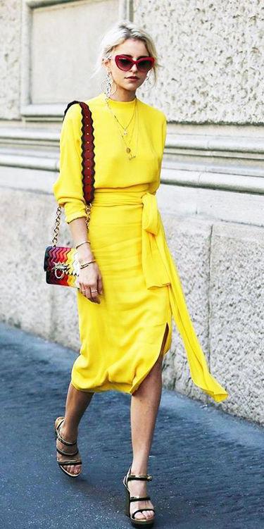 yellow-midi-skirt-yellow-sweater-red-bag-sun-blonde-necklace-spring-summer-lunch.jpg