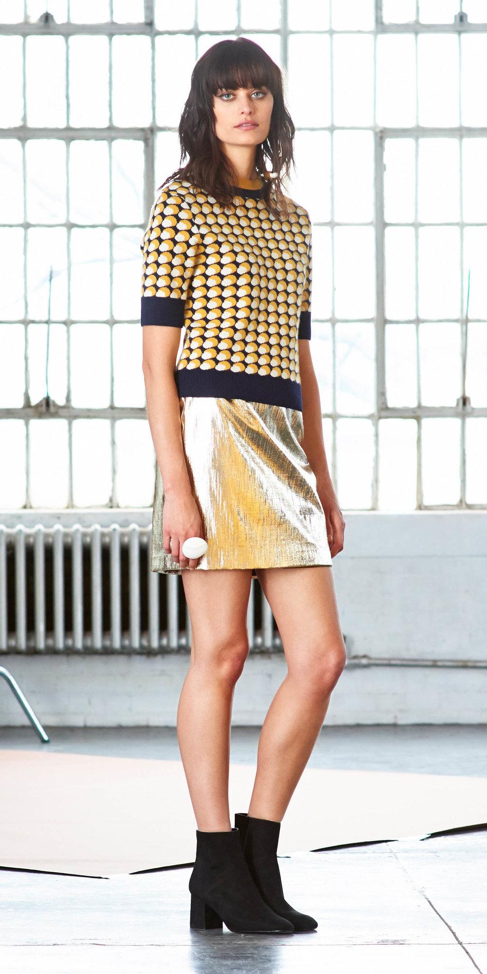 yellow-mini-skirt-gold-yellow-sweater-black-shoe-booties-fall-winter-brun-lunch.jpg