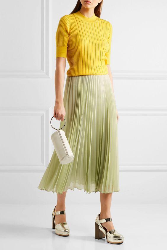 green-light-midi-skirt-pleated-yellow-sweater-white-bag-hairr-fall-winter-dinner.jpg