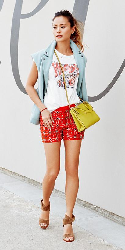 red-shorts-white-graphic-tee-yellow-bag-hairr-pony-blue-light-vest-moto-cognac-shoe-sandalh-jamiechung-streetstyle-spring-summer-lunch.jpg
