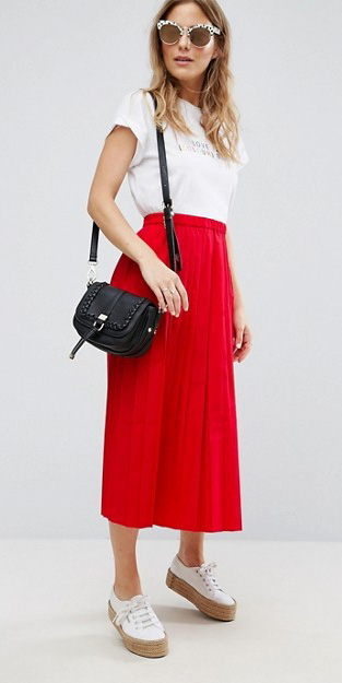 red-midi-skirt-white-shoe-sneakers-black-bag-sun-blonde-white-graphic-tee-spring-summer-weekend.jpg