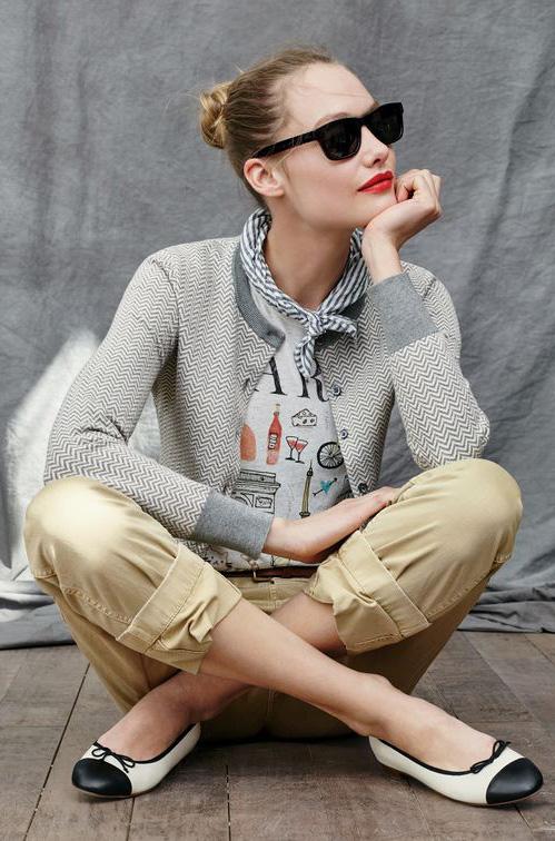 tan-chino-pants-white-graphic-tee-belt-grayl-cardigan-sun-jcrew-bun-white-shoe-flats-twotone-spring-summer-blonde-lunch.jpg