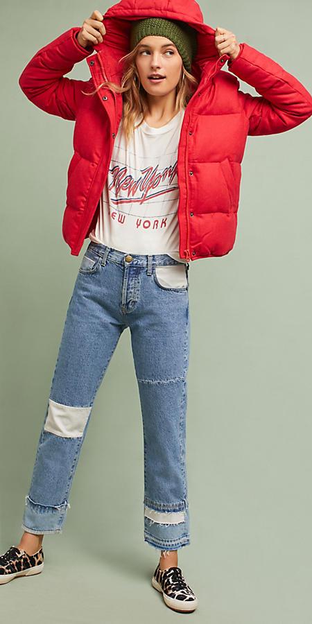 blue-light-boyfriend-jeans-white-graphic-tee-brown-shoe-sneakers-leopard-beanie-red-jacket-coat-puffer-fall-winter-blonde-weekend.jpg
