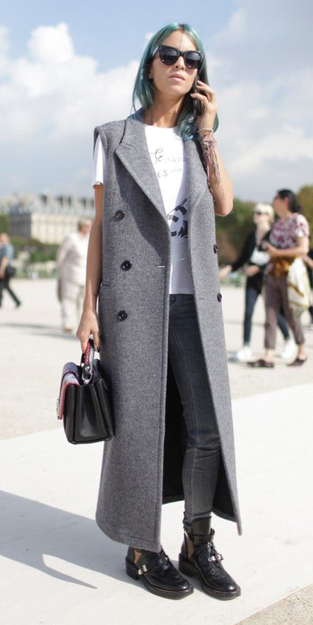 grayl-skinny-jeans-white-graphic-tee-sun-bluehair-black-bag-black-shoe-booties-grayl-vest-tailor-fall-winter-weekend.jpg