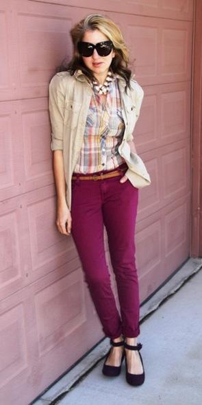 burgundy-slim-pants-belt-pink-light-plaid-shirt-tan-jacket-utility-blonde-fall-winter-lunch.jpg
