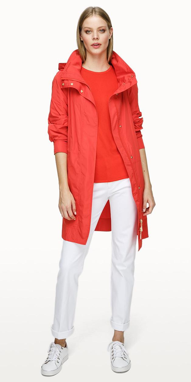 white-slim-pants-white-shoe-sneakers-red-tee-blonde-red-jacket-coat-parka-spring-summer-weekend.jpg