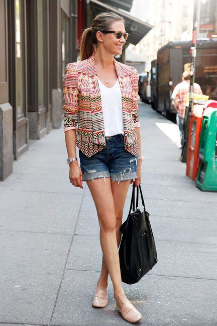 blue-navy-shorts-white-tee-tan-shoe-flats-pony-blonde-pink-light-jacket-lady-spring-summer-weekend.jpg