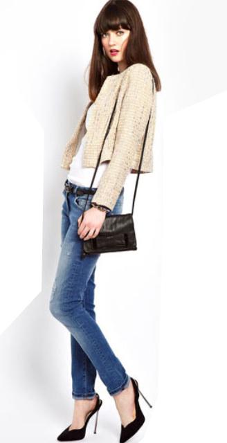 blue-med-skinny-jeans-white-tee-black-bag-belt-howtowear-fashion-style-outfit-fall-winter-crop-tweed-tan-jacket-lady-black-shoe-pumps-brun-lunch.jpg