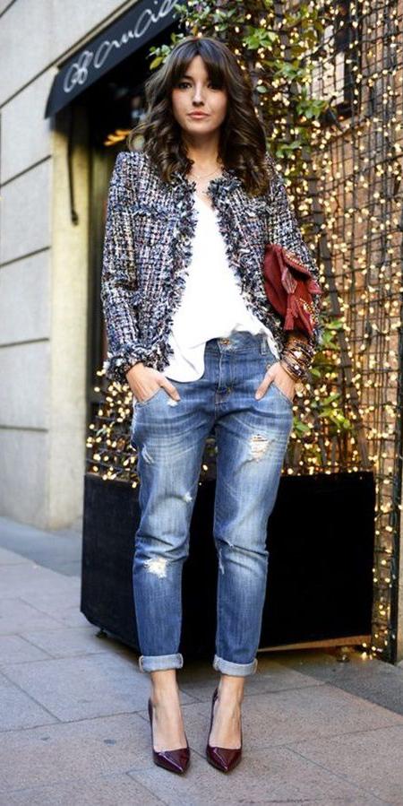 blue-med-boyfriend-jeans-white-tee-red-bag-burgundy-shoe-pumps-hairr-blue-med-jacket-lady-fall-winter-lunch.jpg
