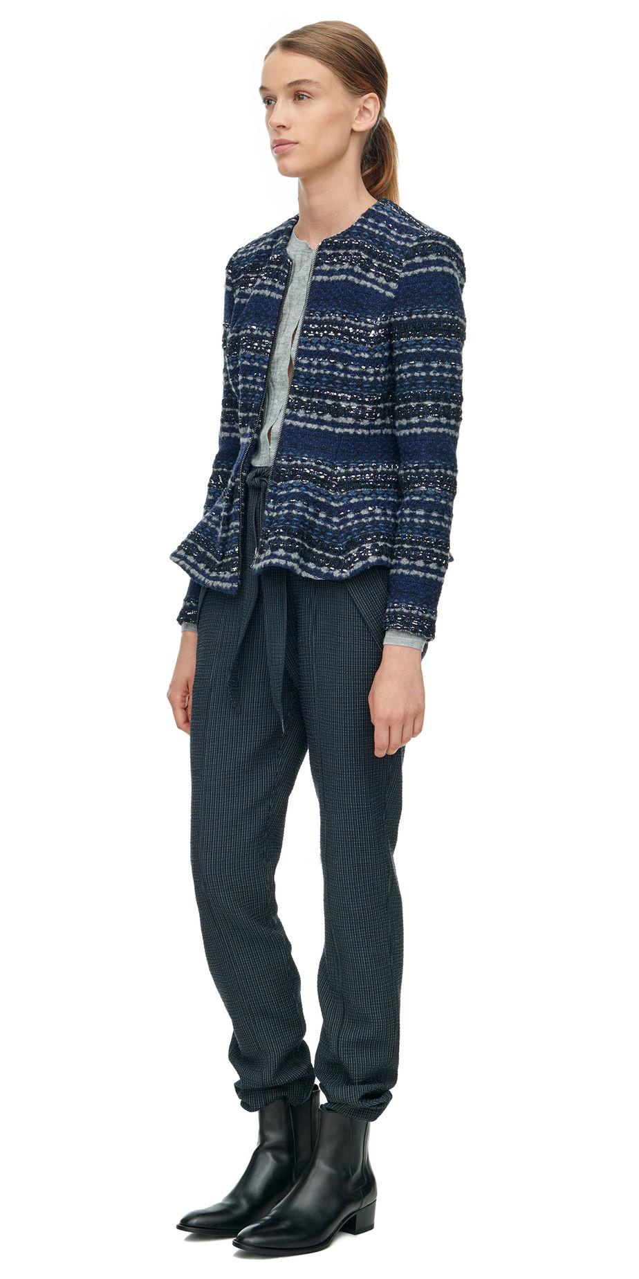 blue-navy-joggers-pants-black-shoe-booties-pony-hairr-tweed-blue-navy-jacket-lady-fall-winter-weekend.jpg