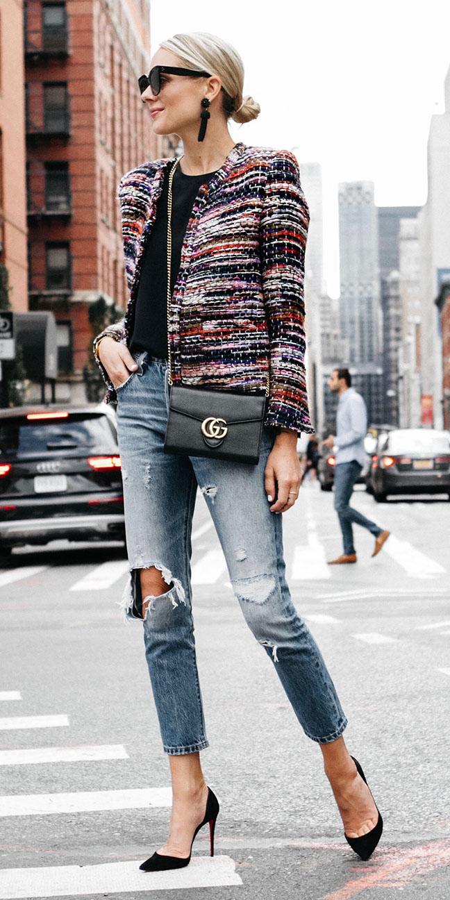 blue-med-skinny-jeans-black-tee-black-shoe-pumps-blonde-bun-black-earrings-sun-black-bag-blue-navy-jacket-lady-fall-winter-lunch.jpg